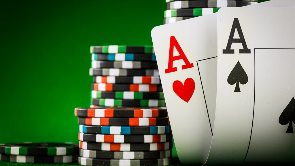 Steps to follow for playing poker games